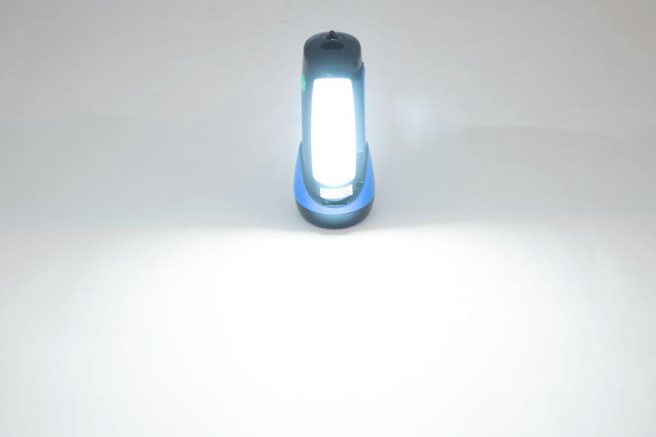 Đèn pin xách tay 2 chức năng SUNHOUSE SHE-8200 005
