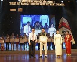Tập đoàn SUNHOUSE nhận bằng khen của Chủ tịch UBND TP Hà Nội